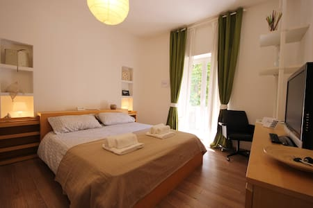 Fibonacci B&B Roma - Rome - Bed & Breakfast