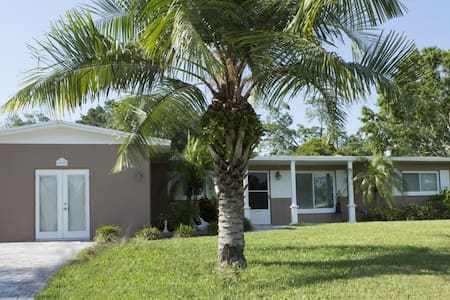 Your home-away-from-home Paradise - Largo - Casa