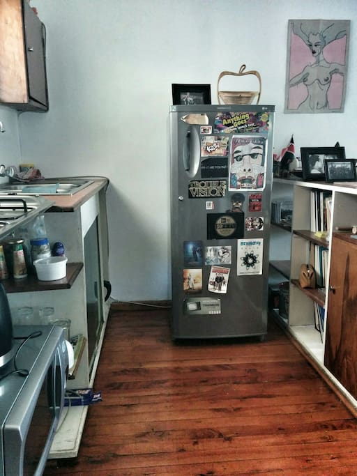 There's a small kitchen available that has a fridge, microwave and gas top. There is no oven available.