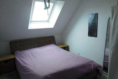 chambre avec lit double  - Ev