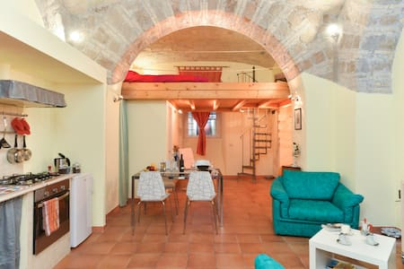 Historic Cozy Apt near  Termini