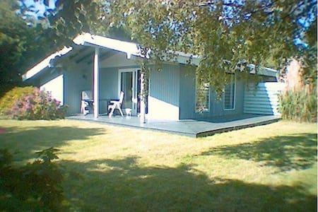 Summerhouse - 50 m. to the beach - Cabin
