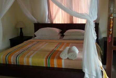 Pondok Tirta-homestay amed - Bed & Breakfast