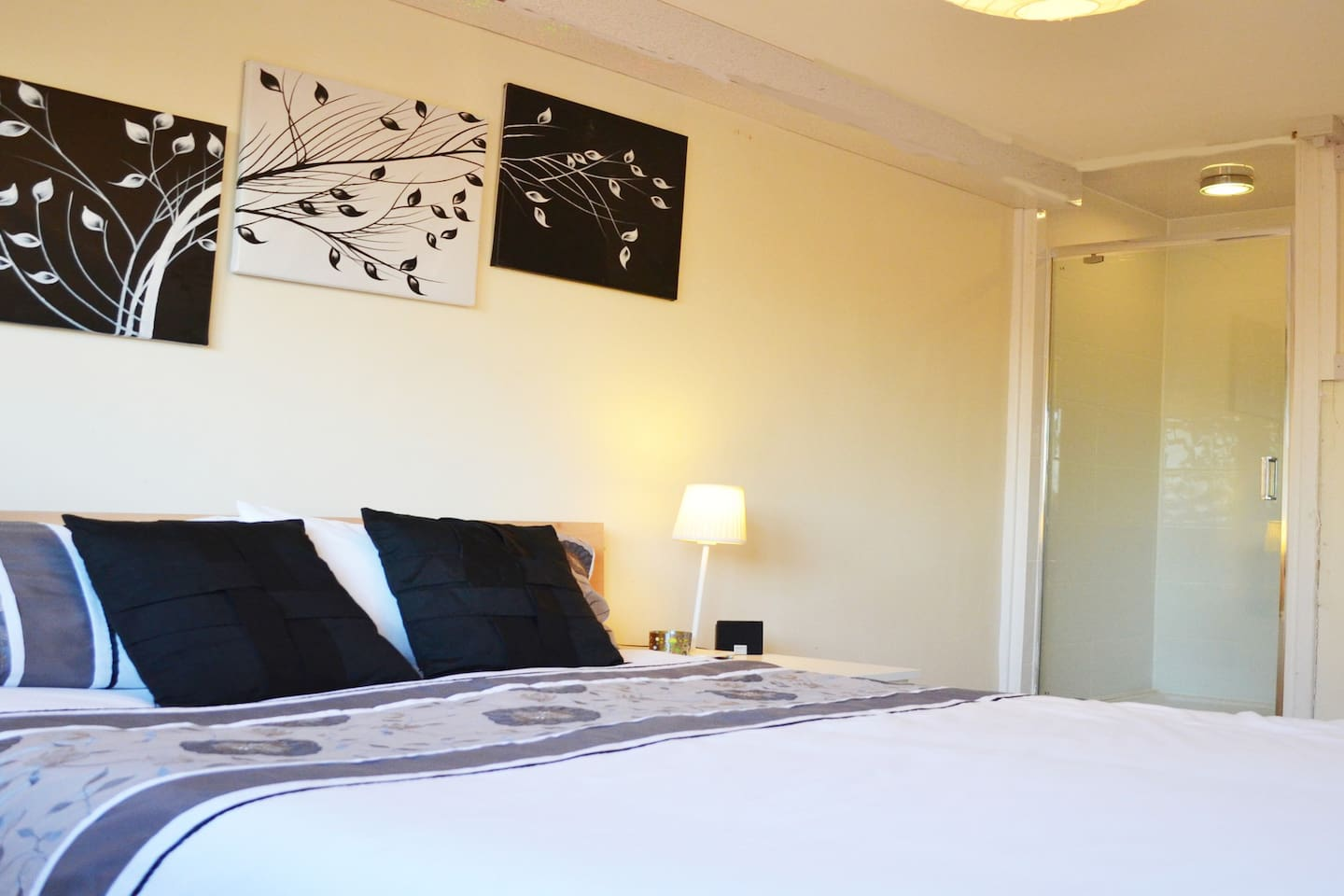 Cosy warm room with newly fitted En-Suite Shower