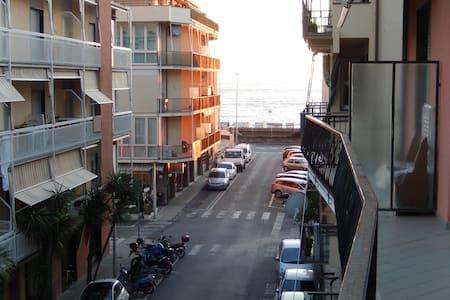 Appartamento Lavagna(Cavi) mare - Lejlighed