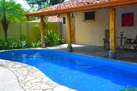 Luxury Getaway Villa/Pool and 3Bath