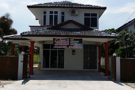 Kasawari Homestay, Penang - Simpang Empat - House