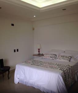 Apartaestudio amoblado. 17-06 - Appartement