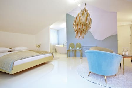 Boutique & Design Hotel ImperialArt - Meran - Bed & Breakfast