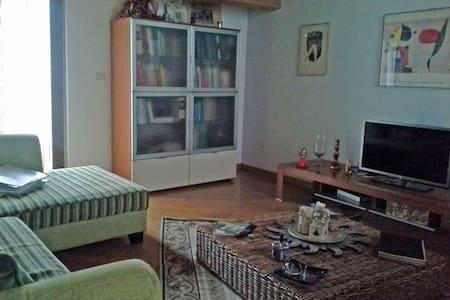 A Venosa -  Sull'Appia - Casa
