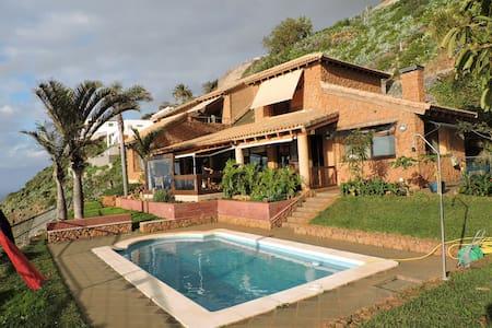 Habitación privada con vistas mar - Tacoronte - Chalet
