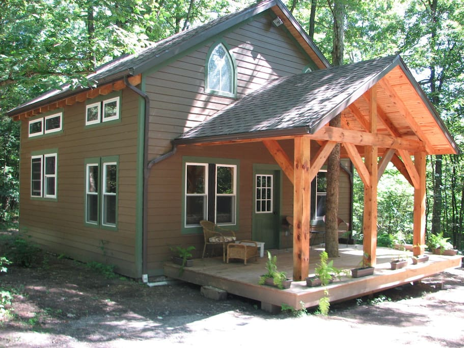 Clarion river timberframe cabin cabins for rent in for Timber frame cottage kits