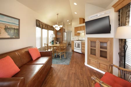 Cozy Vacation Cottage 200 at Pismo Sands RV Resort - Bungalow