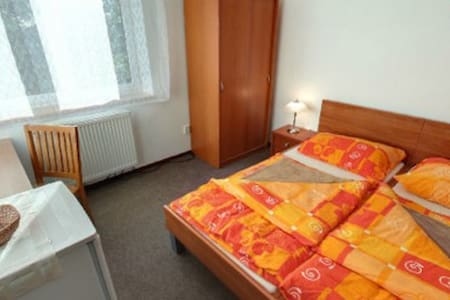 Room type: Entire home/apt Property type: Villa Accommodates: 14 Bedrooms: 4 Bathrooms: 3