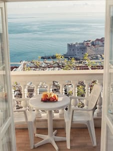Dubrovnik & Sea View Room No.1
