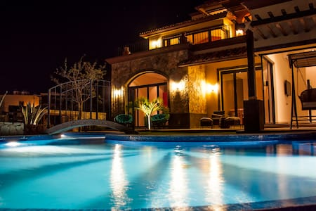 """Villa Corazon de Fatima"" - Cabo San Lucas"
