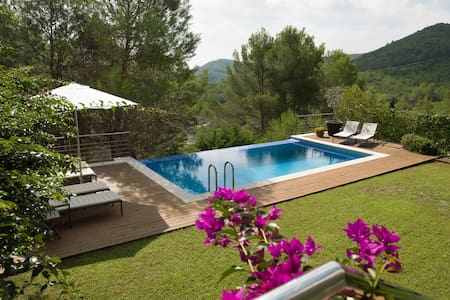 Luxurious design villa Sitges Hills - Olivella