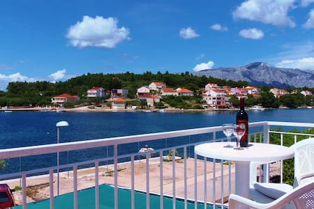 Lumbarda ROOM seaview - ADRIATIC -2 - Bed & Breakfast