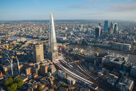 Next to the Shard and London Bridge - London - Apartment