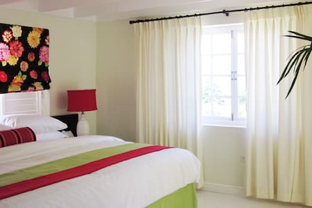 Deluxe Apt Mystic Ridge Resort - Ocho Rios - Apartment