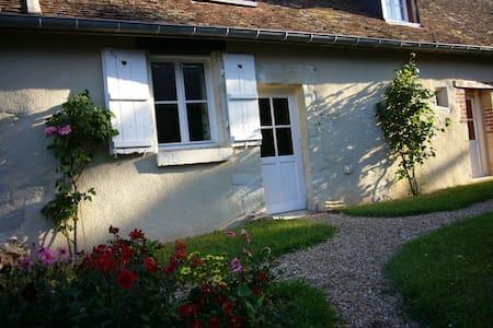Le Pressoir - House