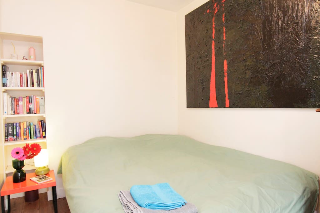 Safe and lovely flat in trendy area in paris - Matelas dunlopillo trendy room 24 ...