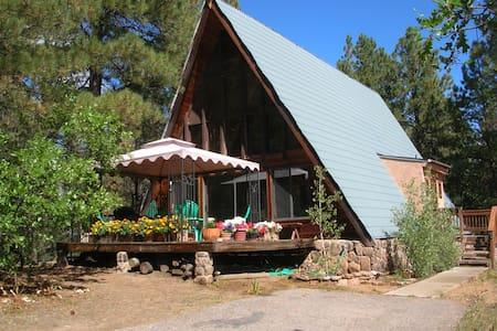 Cozy Aframe in Ponderosa Forest - Kisház