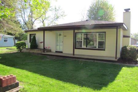 Cozy Caseville Area Retreat - House