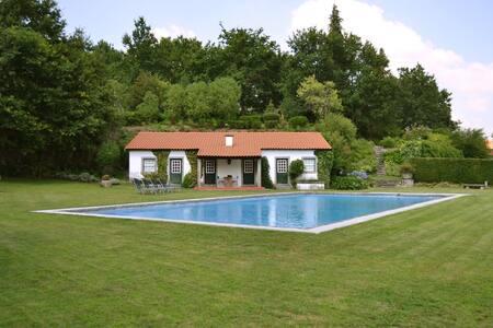 Casa dos Pinheiros - Huis