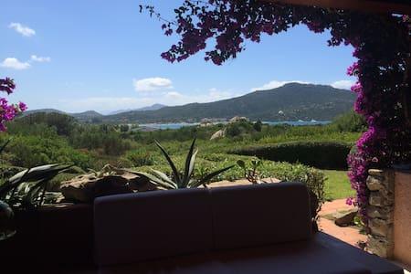 Trilocale con veranda vista mare  - Marinella - Lägenhet
