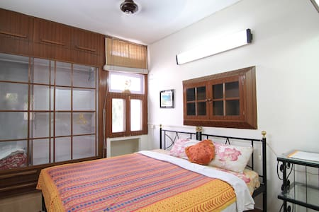 Bed and Breakfast New Delhi  Room 2