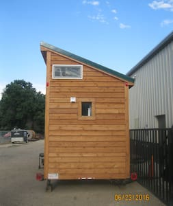 Beautiful Tiny House Perfect for Your Getaway - Loveland - Other