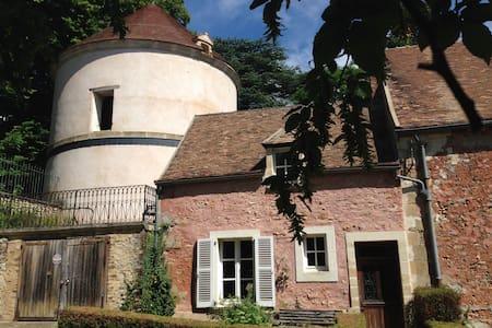 Maison indépendante nichée à côté d'un pigeonnier - Boisemont - Haus