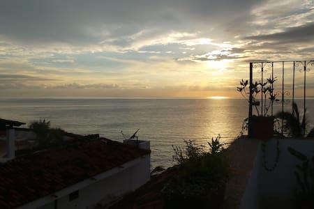 Live the Confort, OCEAN FRONT ¡ - Puerto Vallarta - Apartment