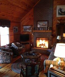 Cozy cottage on charming horse farm - Gordonsville - Cabin