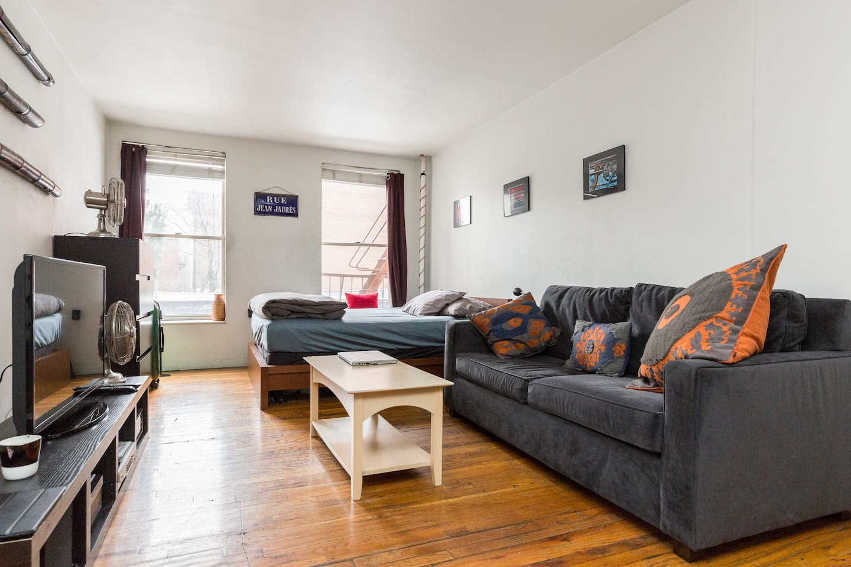 Fully furnished Chelsea Studio Apt