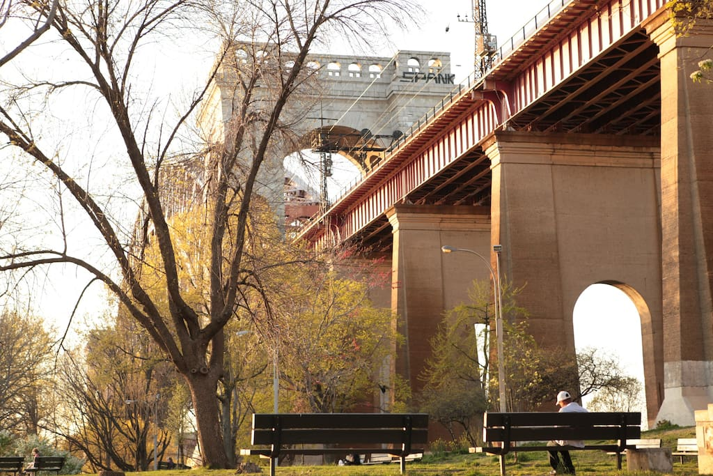 beautiful Astoria Park few minutes away by walking !