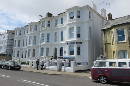 Marine View Guest House, Worthing - Worthing