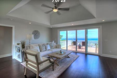 Luxury King Bedroom with Ocean view - Ev