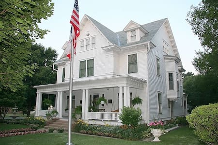 Colonial White House Bed & Breakfast - Szoba reggelivel