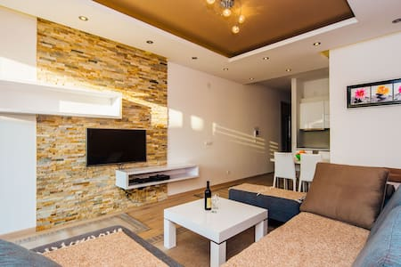 Brand new flat Sara, 20m from beach - Rafailovići