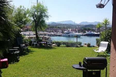 Villa con giardinio sul porto turistico - Villa