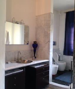 camera da letto con bagno privato - Apartment