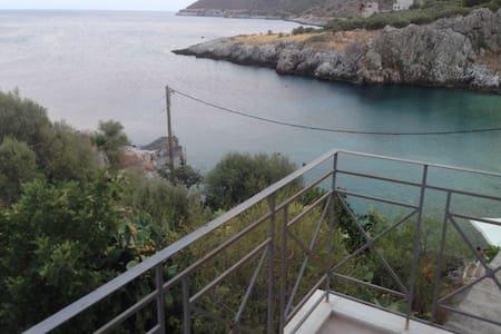 Πύργος Μάραθος(Τower Marathos) - κοκκαλα - Apartment