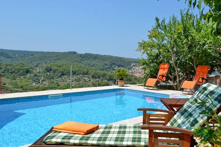 Villa Ambroz - Vrisnik - Haus