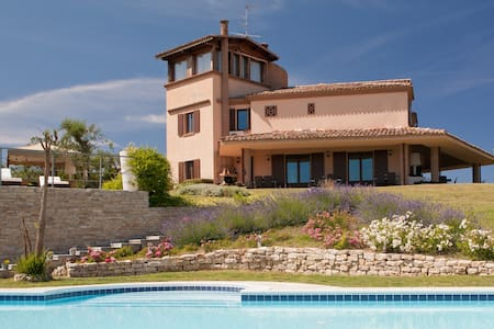 EXCLUSIVE VILLA WITH POOL AND SPA - Montefiore Conca