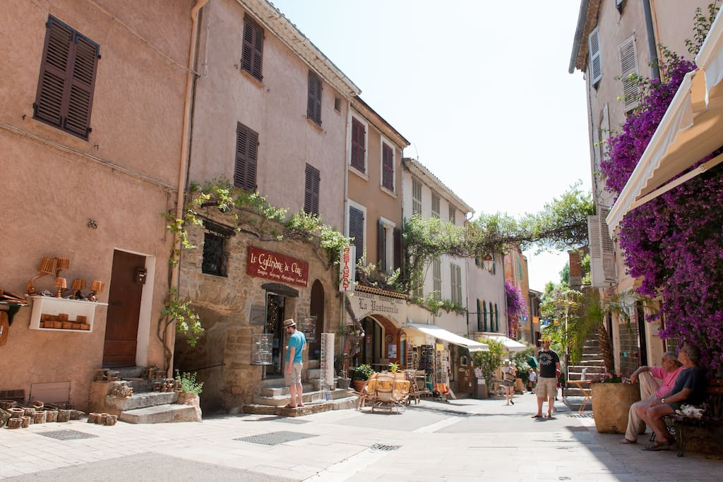 Charming Apt in Historic Village