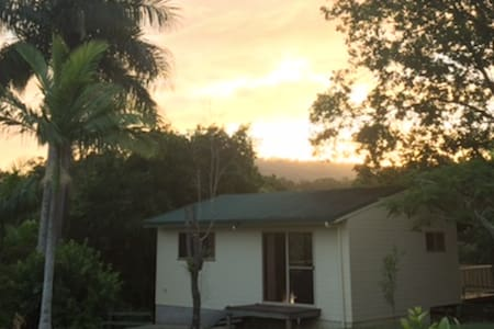 Faraway Downs Farm B&B - Palmwoods - Bed & Breakfast