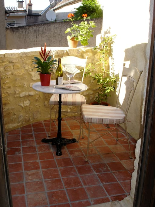 Your private back terrace