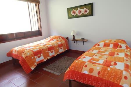 Bedroom near Bogota excellent view - Ház